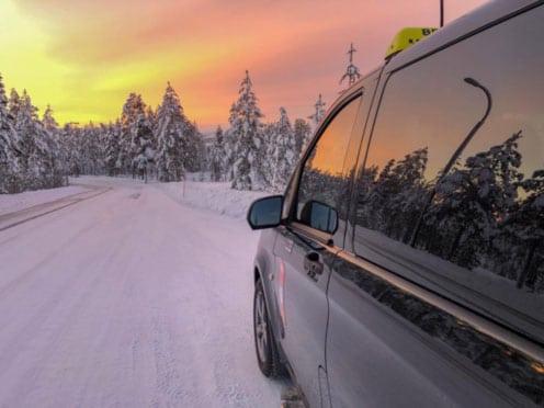 Kuljetuskalusto Rovaniemellä tilausajoissa ja pakettikuljetuksissa